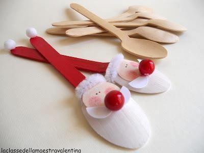 Wooden spoon Santas.  So cute and inexpensive.  |  la Classe della Maestra Valentina