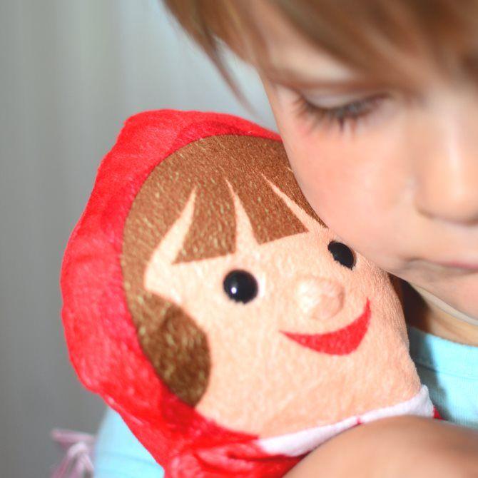 Marionnettes à main - Le Petit Chaperon Rouge. Quatre marionnettes entièrement souples, pour jouer ou réinventer le conte du Petit Chaperon Rouge… #Marionnettes #MelissaAndDoug #FairyTale