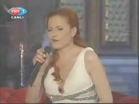 Candan Erçetin & Sezen Aksu - Vazgeçtim - YouTube