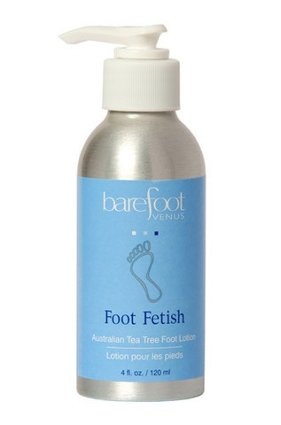 Let reviving peppermint, stimulating spearmint and Australian tea tree oil put a spring in your step as moisturizing Jojoba oil combats dryness to soften and smooth your feet.