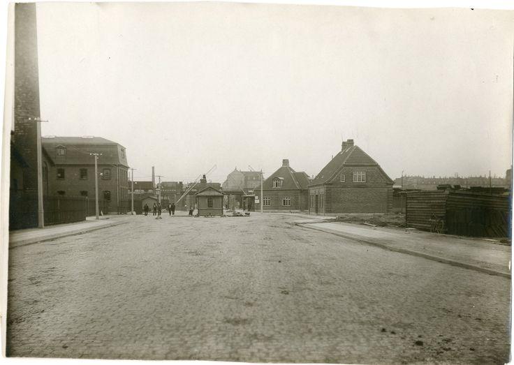 Toldvagt 14, ca. 1926. Århusgade til højre.