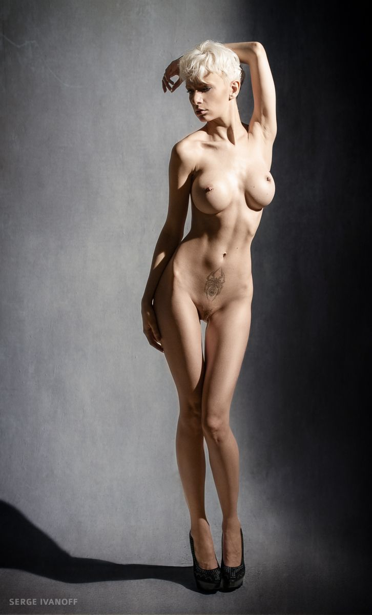 beautiful naked albino women