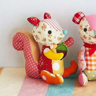 calico softies: Crafts Animal, Autumn Pals, Patchwork Squirrels, Animal Baby, Dolls Diy, Baby Toys, Baby Animal, Diy Plush Toys, Calico Softies