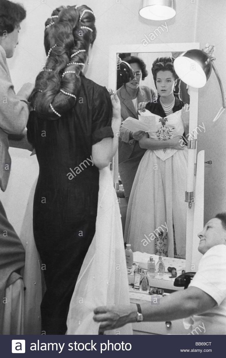 Download this stock image: movie, Sissi - Schicksalsjahre einer Kaiserin, AUT / BRD 1957, director: Ernst Marischka, during making of: Romy Schneider (Si - BB69CT from Alamy's library of millions of high resolution stock photos, illustrations and vectors.