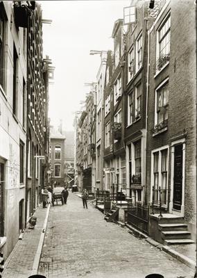 Op de achtergrond de Oude Hoogstraat 24. juni-juli 1906