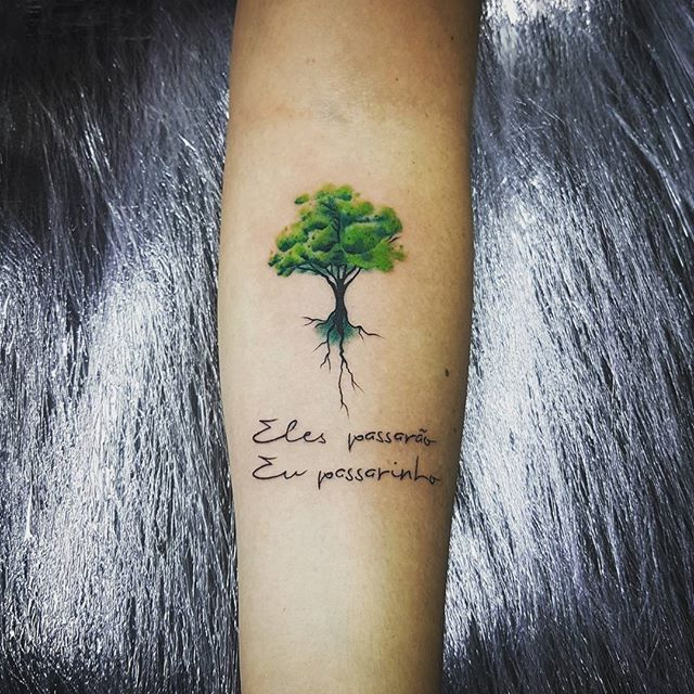 De vez em quando ainda sai tatuagens delicadas.Feliz pela satisfação dessa cliente...Boa noite. Orçamentos só pessoalmente.  #thiagobrandaotattoo #tattoo #boanoite #tattoodelicada #tattoofeminina #tattoo2me #tattoo2us #tattoogyn #instatattoo #tatouage #tatuaje #tree #treetattoo #instago #insta #raioimortal #instalove #instagood #tattoodo #tattoooftheday #electricink #fkirons #eikon #intenze #tattoosfofas #tattoologist #tattooartistmagazine #inspirationsoftattoo #inkstinct #tattrx
