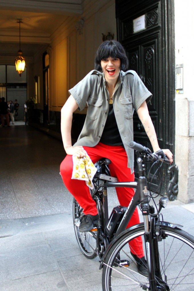 Bimba Bosé, original y guapa como ella sola, en Smart Ride