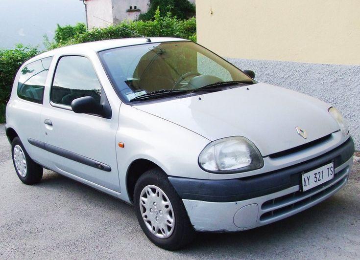 auto usate provincia di bologna una berlina bianca antico