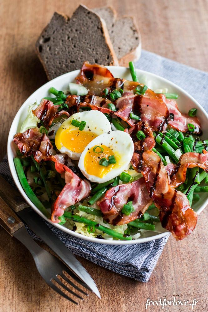Salade Frisée aux Haricots Verts, Oeuf Mollet et Bacon