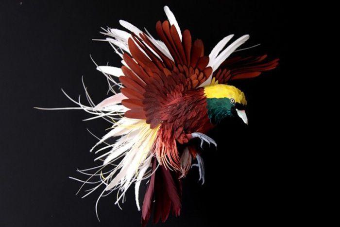Paper art sorprendente: uccelli di carta come reali