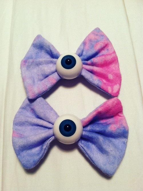 2 Pastel Galaxy Eyeball Bows Goth Y Cute 20 00 Via Etsy Want Clothes Acessories Fashion