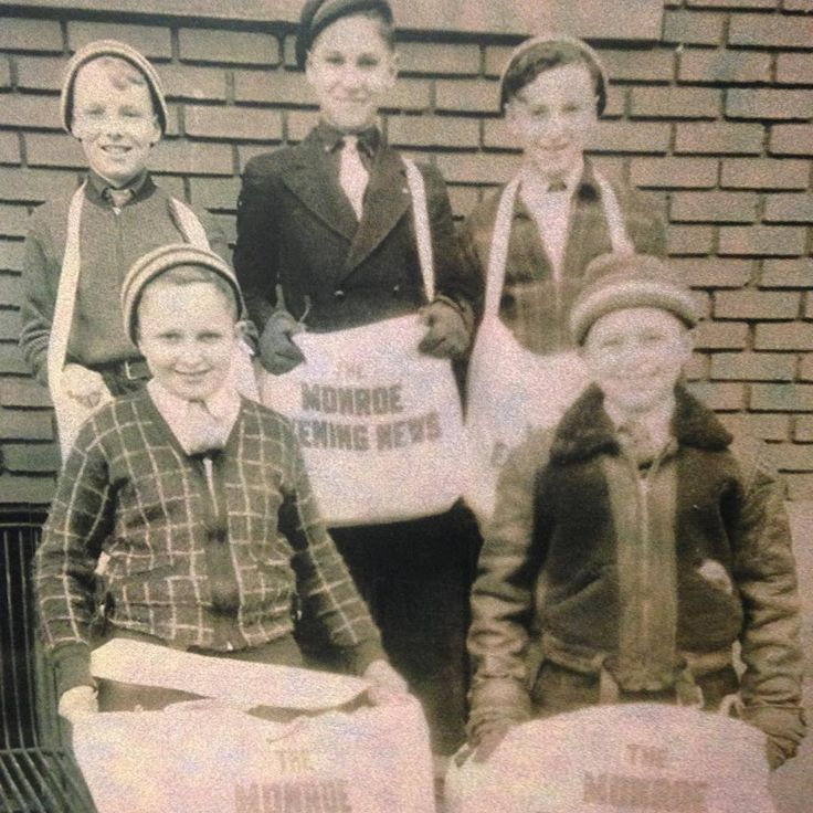 Historic photo: newspaper carriers at The Monroe Evening News (now the Monroe News) in Monroe, Michigan.