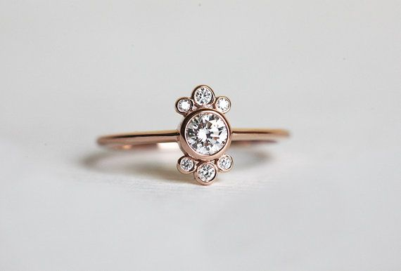 Halo Diamond Ring Halo Diamond Engagement Ring Rose por MinimalVS