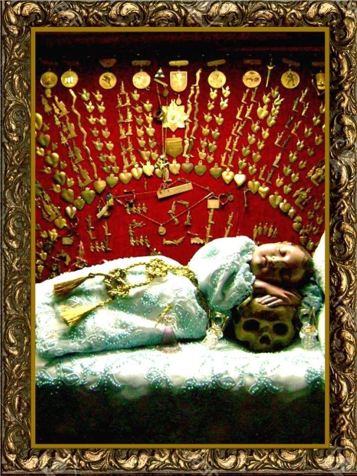 Oh Santo Niño de las Suertes, mi tierno y sagrado Infante,  tiende tus manitas misericordiosas hacia mi,pobre pecador,  perdóname mis ...