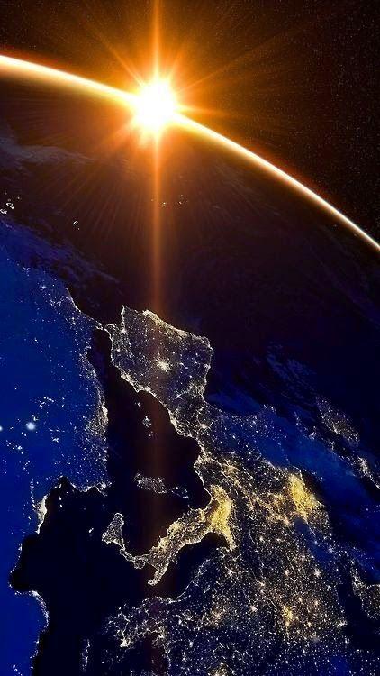 Media noche en Europa by 'Planeta Tierra'