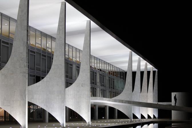 Palazzo Planalto_Brasilia by Oscar Niemeyer