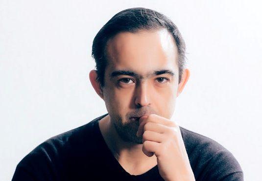 Ο Άγγελος Χαριάτης στο Εργαστήρι του συγγραφέα http://fractalart.gr/aggelos-chariatis-ergastiri/