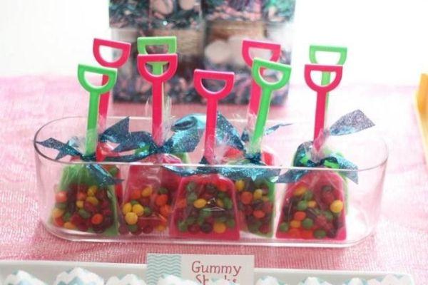 Cute idea for kids summer party (Beach theme, mermaid theme)