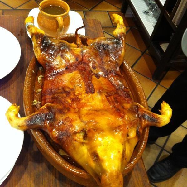 Cochinillo asado en Restaurante José María en Segovia