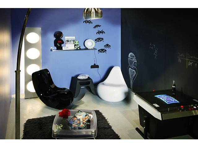 Children's domains are demystified as issues such as safety, storage and practicality are explored in the Interior Styling Diploma.  This room was designed by iscd graduate Lisa Kotoulas for young teenage boy and features a chalkboard wall.