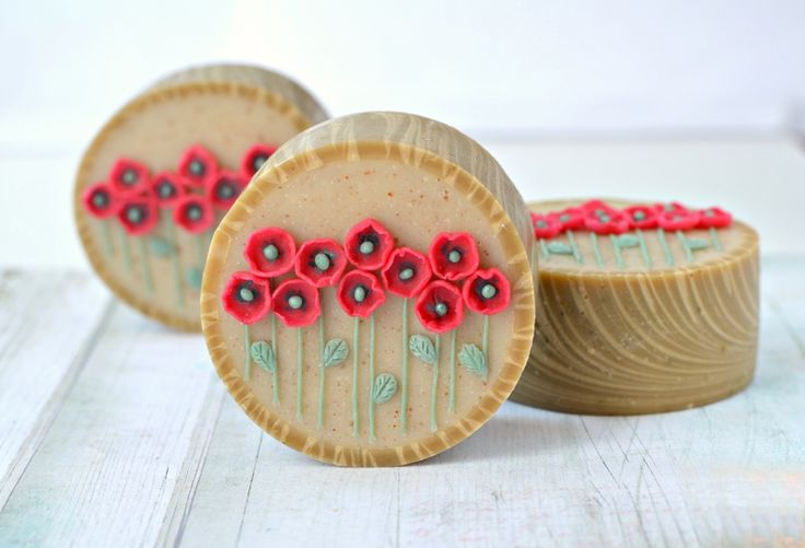 """cold-process rimmed soap """"Poppies"""""""