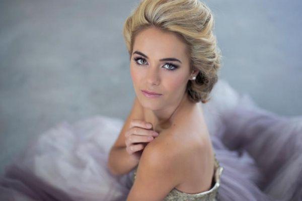 Corlé Barnard | Cape Hair & Makeup