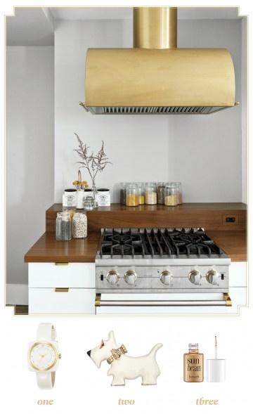 white and goldKitchens Interiors, Kitchens Design, Decor Kitchens, Living Room Design, Interiors Design, Range Hoods, Design Kitchen, Brass, Modern Kitchens