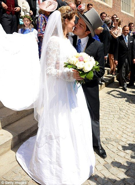 Prince Francois d'Orleans married Theresa von Einsiedel at the Basilica of St Jacob in Straubing, Germany today  Read more: http://www.dailymail.co.uk/news/article-2706790/Royal-match-French-prince-marries-German-aristocrat-traditional-summer-wedding.html#ixzz38brIsn7I Follow us: @MailOnline on Twitter | DailyMail on Facebook