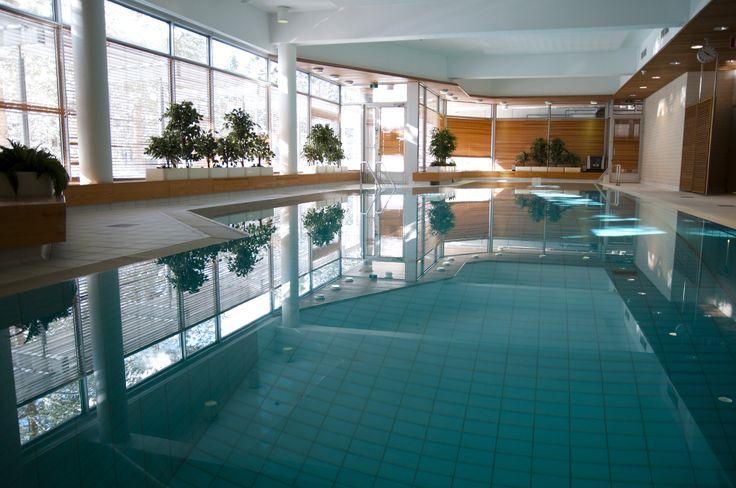 Miten olisi rauhallinen aamu-uinti ennen työpäivän alkua? Tai pulahdus altaaseen ennen kotiin lähtöä? Meillä se onnistuu. Henkilökunnan käytössä on 20m pitkä uima-allas.