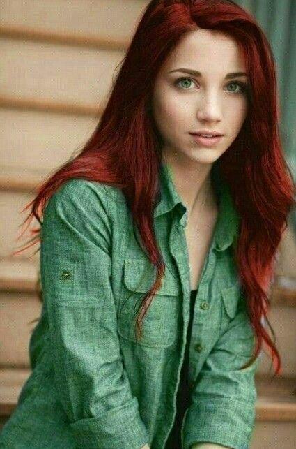 redhead green eyes nsked