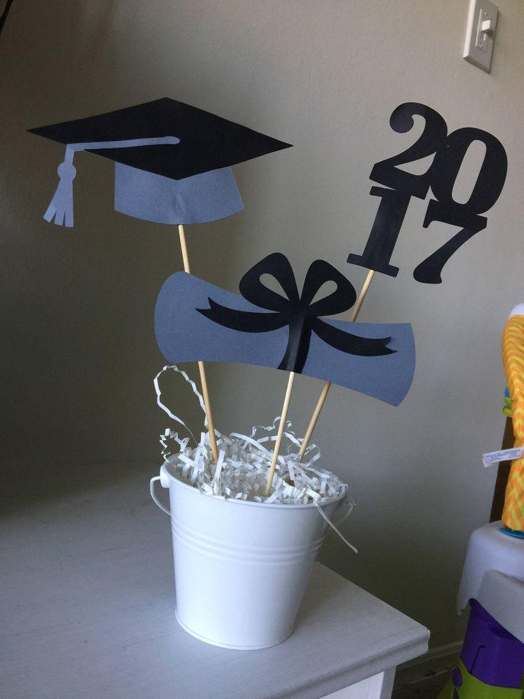 Un favorito personal de mi tienda de Etsy https://www.etsy.com/es/listing/514793602/2017-graduation-centerprice-graduation