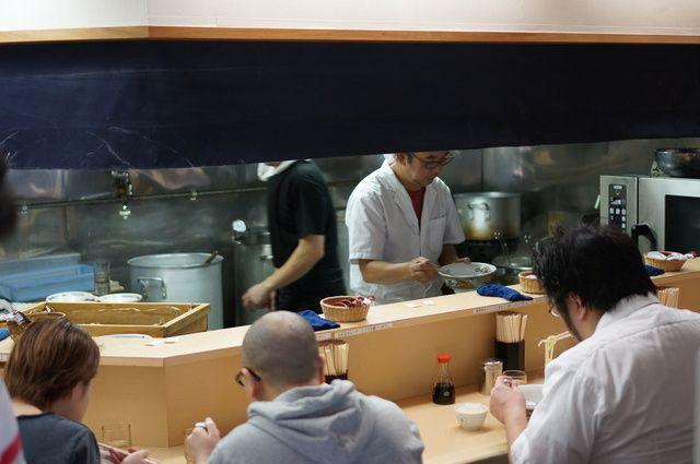 煮干鰮らーめん 圓 - 内観写真:
