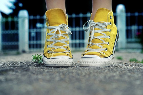 i want some yellow chucks #shoes
