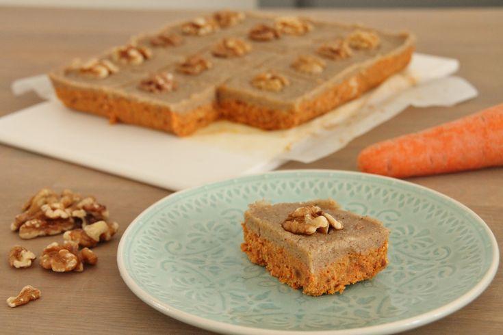 Vandaag een recept dat eigenlijk uit twee van mijn favoriete recepten bestaat: carrotcake en zuivelvrije cheesecake. En wat krijg je als je de nr. 1 en nr. 2 uit de taarten top3 combineert? Juist,…
