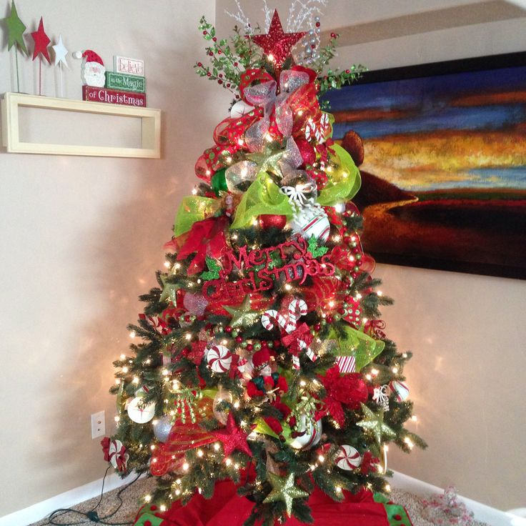 Green And White Christmas Tree: Red, Green, Silver And Candy Accents