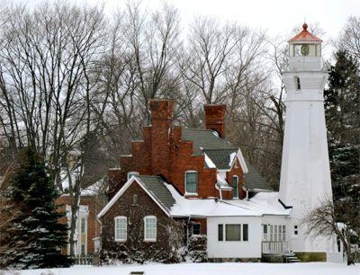 Faro Puerto Sanilac   En Invierno, Lago Huron, Michigan.
