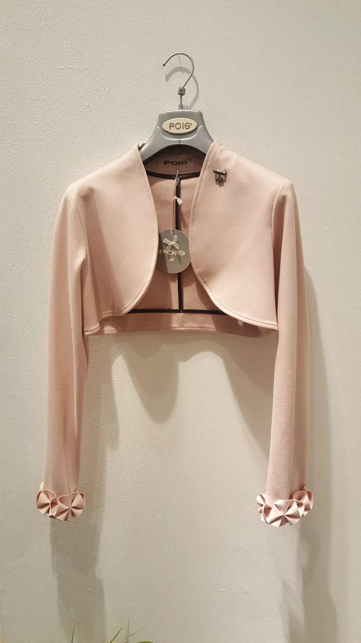 Coprispalla, modello bolero, color rosa caldo in punto milano. Disponibili 2 capi. Prenota ora e per te uno sconto del 10%. Spedizioni da concordare.