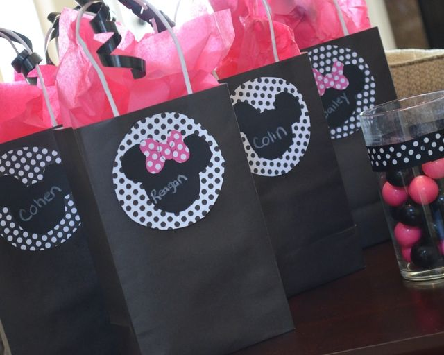"""Photo 6 of 16: Mickey Mouse Clubhouse or Minnie Mouse / Birthday """"Addison's Minnie Mouse Party"""" 