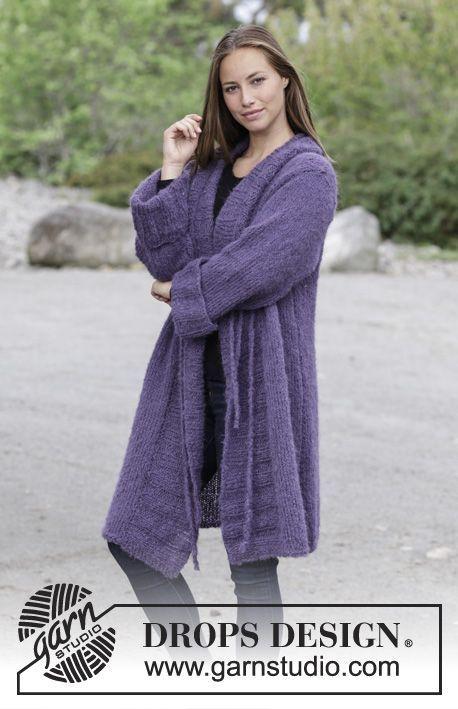 Veste avec côtes et col châle. Du S au XXXL Peut se tricoter avec 2 fils DROPS Brushed Alpaca Silk ou 1 fil DROPS Melody.
