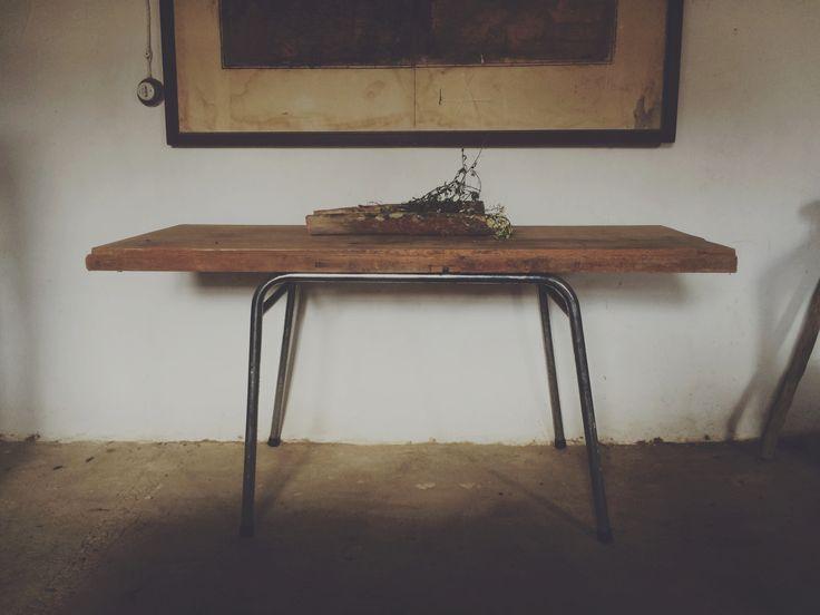 Mesa Vintage #table #furniture #design #wood