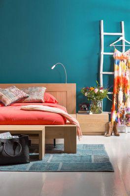 Een oud Oosters tapijt gestoken in een nieuw jasje. Dat is vloerkleed Vintage! Verkrijgbaar in alle kleuren van de regenboog en perfect passend in een kleurrijk, bohemian interieur. // Goossens @ Villa ArenA