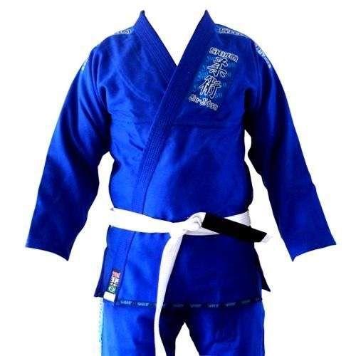 Você sabe amarrar sua faixa de Jiu-Jitsu? Dúvida muito comum dos iniciantes no jiu jitsu. Assista neste vídeo como amarrar a faixa de jiu jitsu corretamente