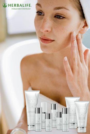 Gesunde Haut und Wohlfühlpflege Die Haut ist das größte Organ des Körpers und misst etwa 2 m2Hautoberfläche bei einem durchschnittlichen Erwachsenen. Ob jung oder alt, die Haut braucht Pflege, da s...