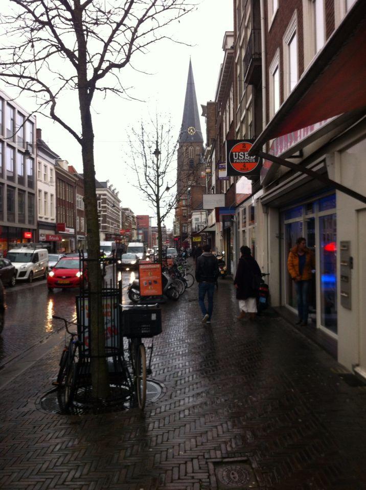 Regenachtige dag in de Steenstraat Arnhem.