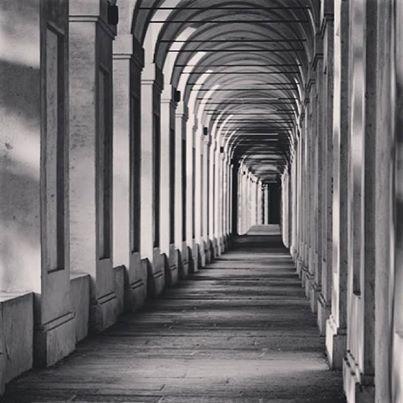 [gli amici di Iperbole fotografano] la bellezza del portico di San Luca   instagram, foto di @vale_guidoboni