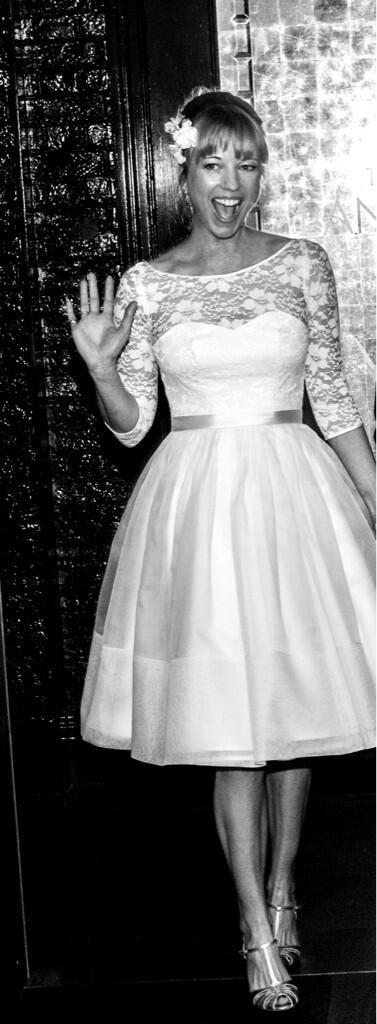 British DJ Sara Cox gets married...I love love love this dress/hair..everything!