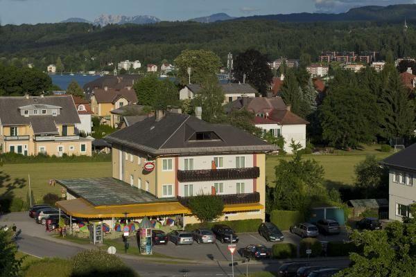 Kirchenwirt - 3 Star #Hotel - $58 - #Hotels #Austria #VeldenamWörthersee http://www.justigo.us/hotels/austria/velden-am-worthersee/kirchenwirt-velden-am-worthersee_46218.html