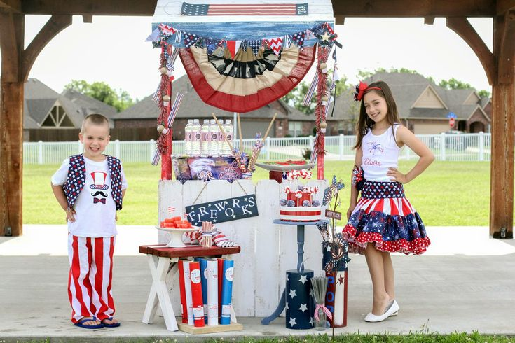Anders Ruff Custom Designs, LLC: A Glorious 4th of July Party with a Patriotic Fireworks Stand