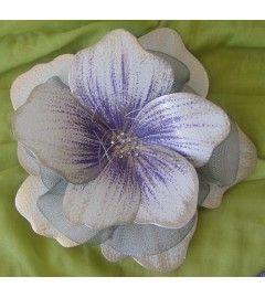"""Διακοσμητικό τοίχου """"λουλούδι"""", χειροποίητο, ελληνικό, φτιαγμένο από ανοξείδωτο φύλλο μετάλλου και μεταλλική σήτα. Σε διάφορες διαστάσεις και χρώματα."""