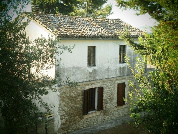 Property for sale in Abruzzo Montefino Abruzzo Italy - Country House http://www.italianhousesforsale.com/property-italy-casa-contadino-montefino-abruzzo-1712.html